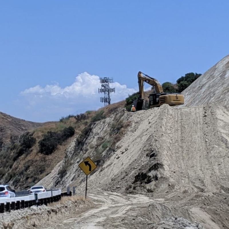 SR60 Truck Lanes Project - Construction Grading Progress
